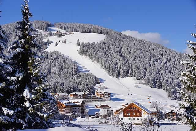 Sciare san vigilio di marebbe residence plan de corones - Residence sulle piste da sci con piscina ...